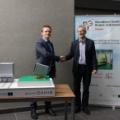 Mikołaj Broniszewski, PID Polska President, and Krzysztof Kurek, NCBJ Director General at the ceremony of signing the reached agreement on cooperation (photo Marcin Jakubowski, NCBJ)