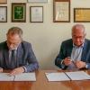 Podpisanie umowy NCBJ (K. Kurek) i ALK (W. Bielecki) (Foto: Piotr Mijakowski / NCBJ)