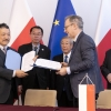 Professor Tatsuya Okubo, Dean of School of Engineering of University of Tokyo and Professor Krzysztof Kurek, Director General of National Centre for Nuclear Research have signed an agreement on academic exchange (foto: NCBJ)